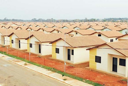 Prefeito viaja à Brasília para garantir 50 casas para Andirá